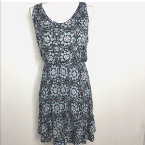Loft Size S Sleeveless Blue White Paisley Dress